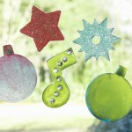 Easy kids craft: how to make your own holiday clings!
