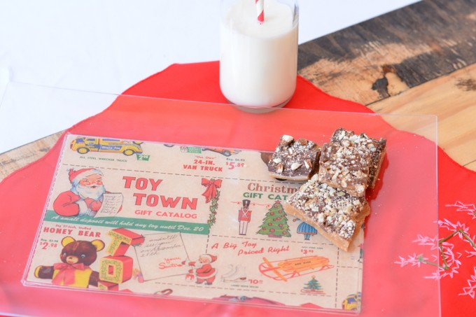 This last minute holiday tray is the perfect budget craft! The trays are from the dollar store - just add paper and Mod Podge.