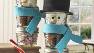 Stacked Snowman Hot Cocoa Mason Jar Gifts