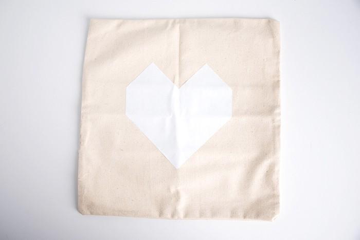 geometricheartpillow05