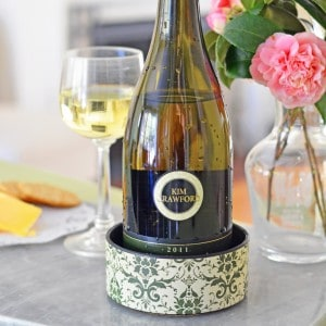 Easy wine bottle coaster from PVC cap