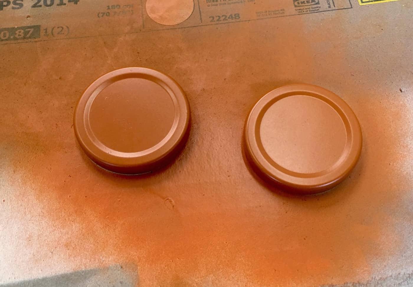 spray painted mason jar lids