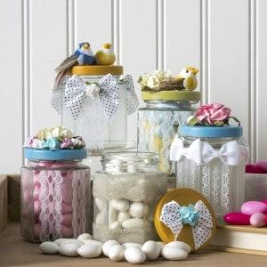 Spring crafts: DIY lace jars
