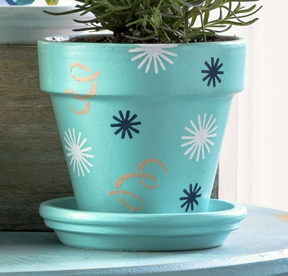 How to decorate clay pots for an herb garden mod podge rocks - Pretty diy flower pot ideas ...