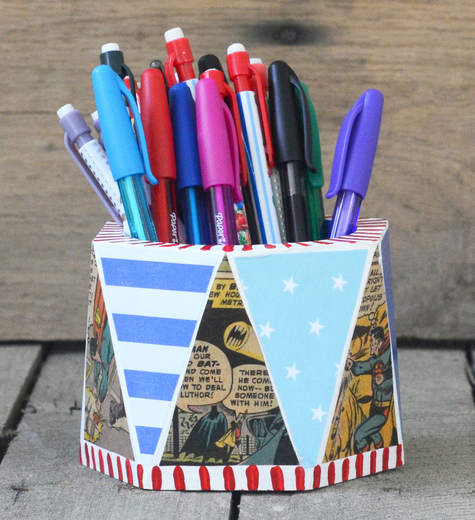 Do you know someone that loves superheroes? This pencil cup covered in comic books makes the perfect gift! Dad will love it . . . also great for Father's Day.