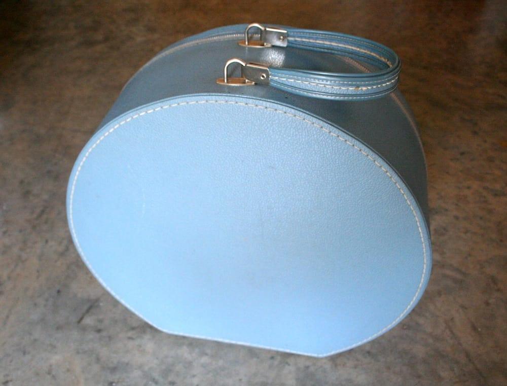 Vintage blue holdall
