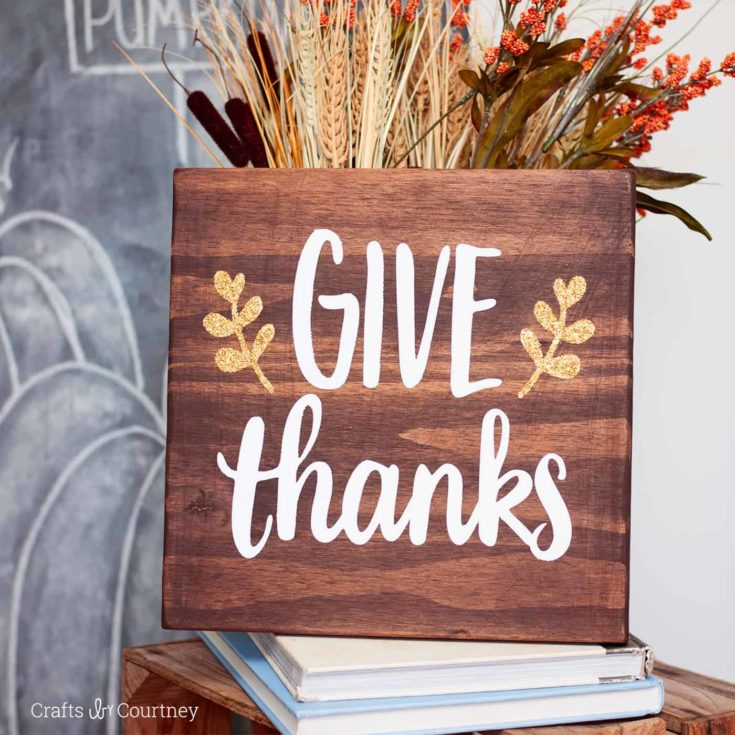 Learn how to make this simple (and beautiful!) stained Give Thanks sign. Perfect for fall and the Thanksgiving holiday - with a touch of sparkle!