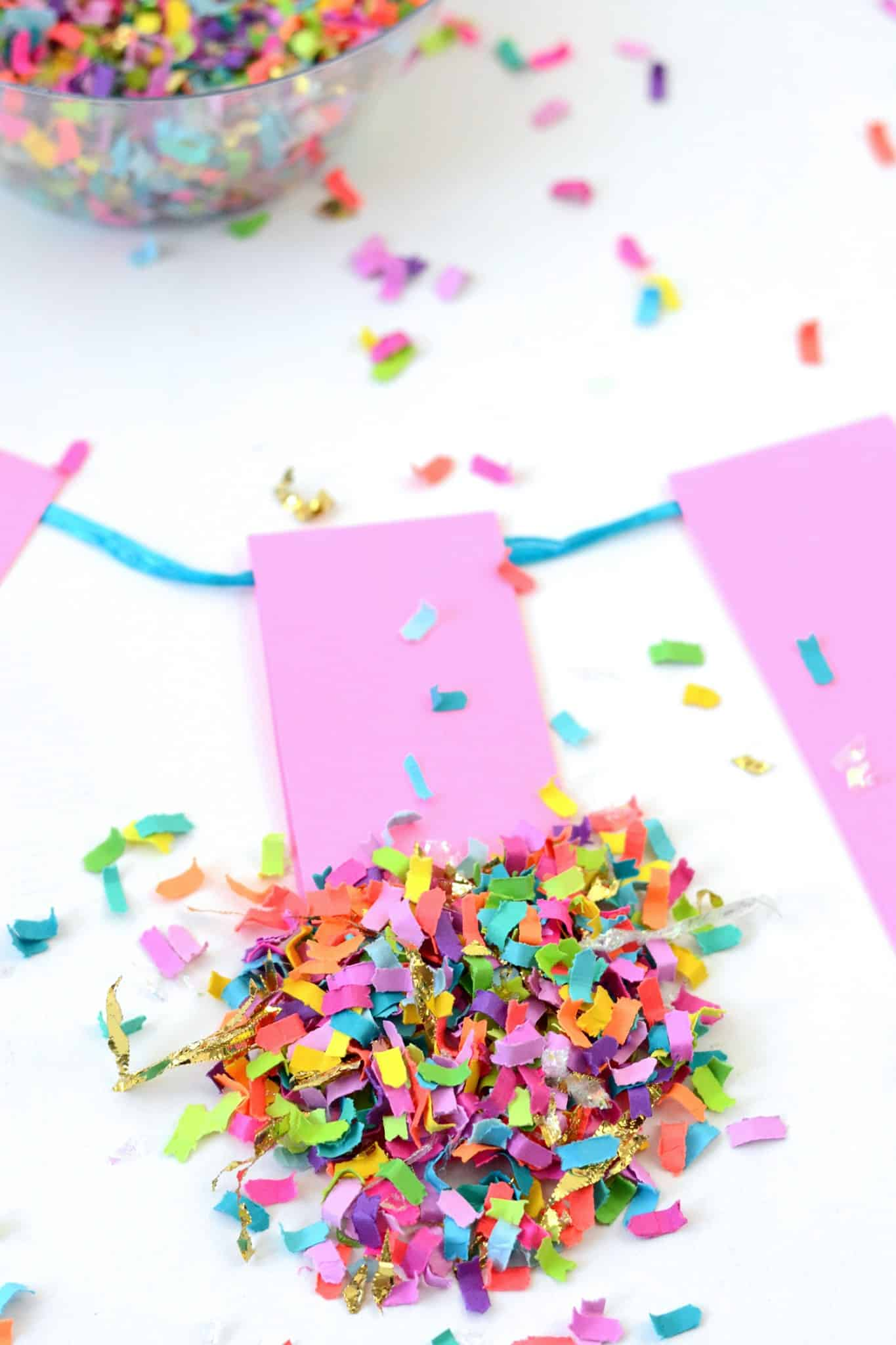 Do you want to learn the easiest way EVER to make a banner? Here it is! Use cardstock, Mod Podge, confetti, and a few other supplies. ANYONE can do it!