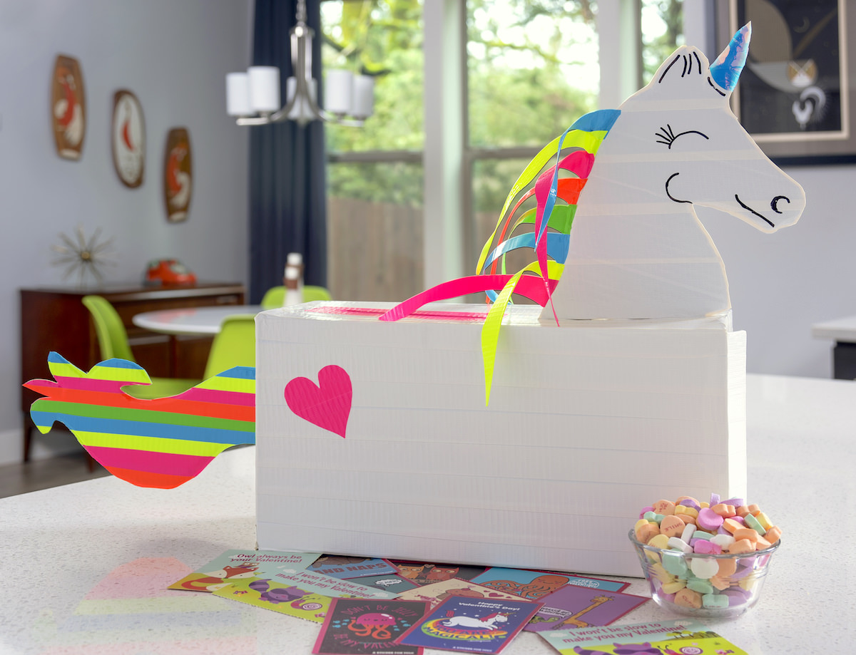 Unicorn valentine's day box