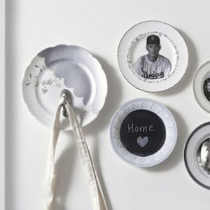 Vintage photos DIY plate wall display