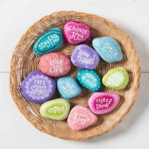 10 Easy Painted Rocks That Are Fun to Ma...