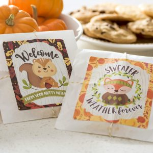 Easy autumn gifts for neighbors (free pr...