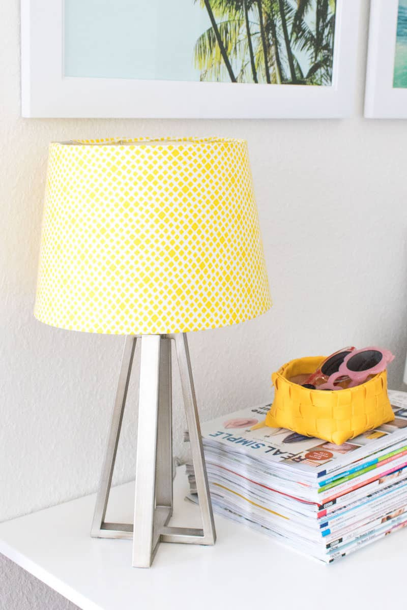 This Lampshade Makeover Project Takes Less Than 30 Minutes And Its Incredibly Easy To Do