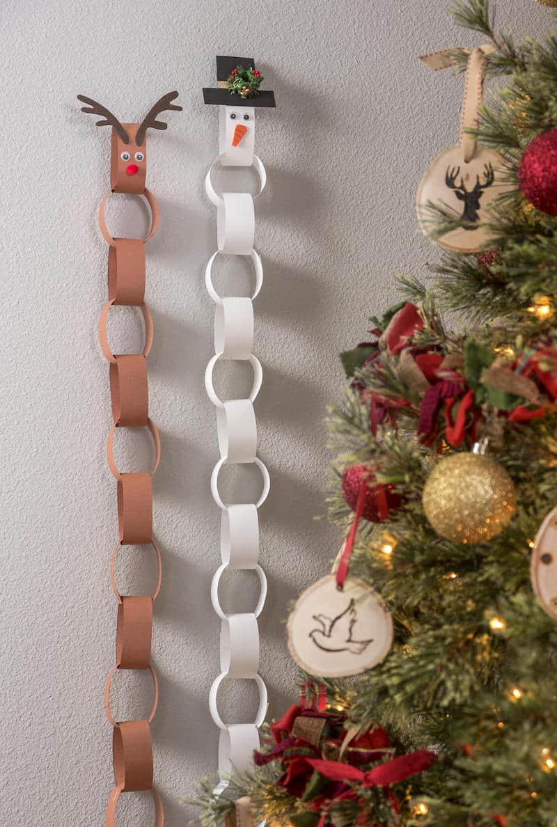 Paper chain countdown for Christmas