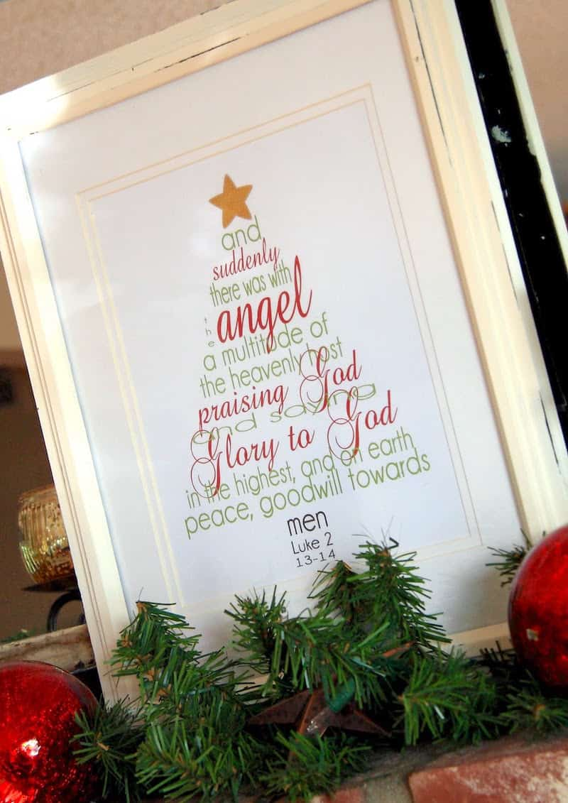 Ten beautiful, free rustic themed Christmas printables! Perfect for using as wall art or to compliment your holiday decor.