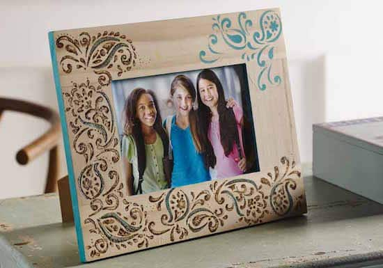 15 Ways To Decorate Cheap Wooden Picture Frames Mod Podge Rocks