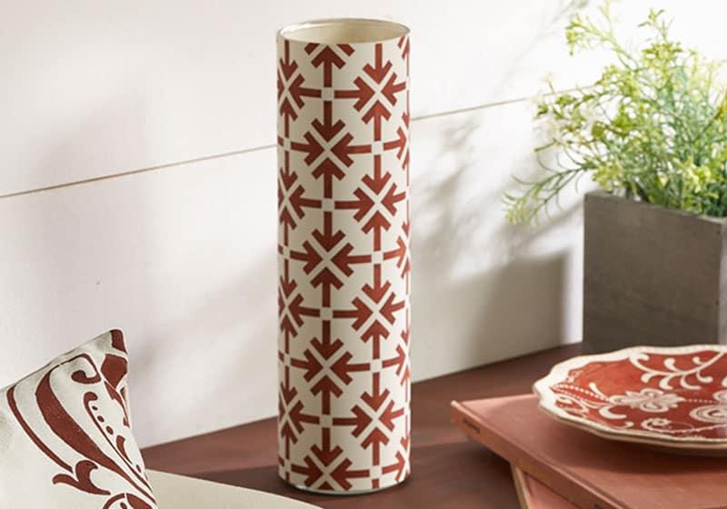 simple stenciled vase