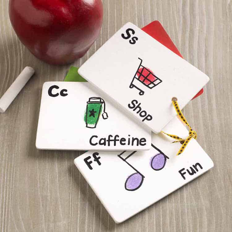 best teacher gifts - fingerprint flashcard gift card holders
