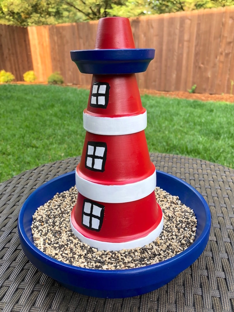 DIY lighthouse bird feeder