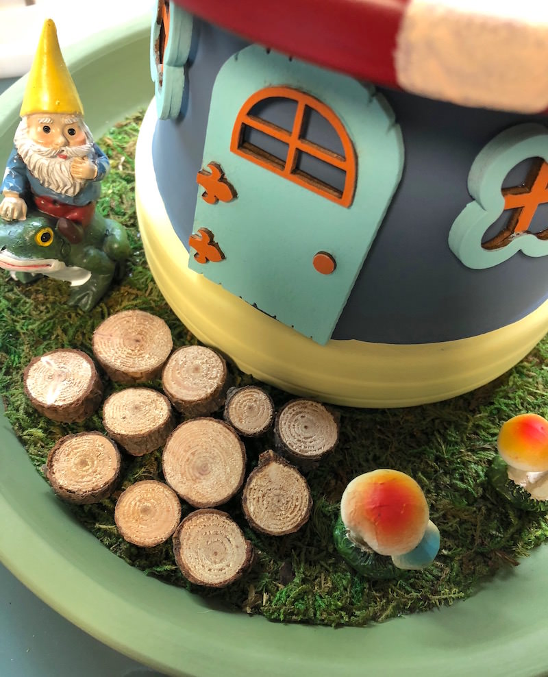 Adding a path to a gnome house