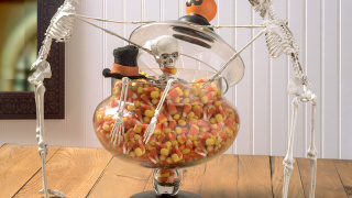"""Skeleton Trapped in Candy Corn"" DIY Halloween Decor"