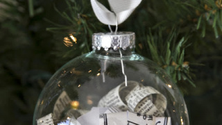 Ten Easy Handmade Ornaments in Under An Hour