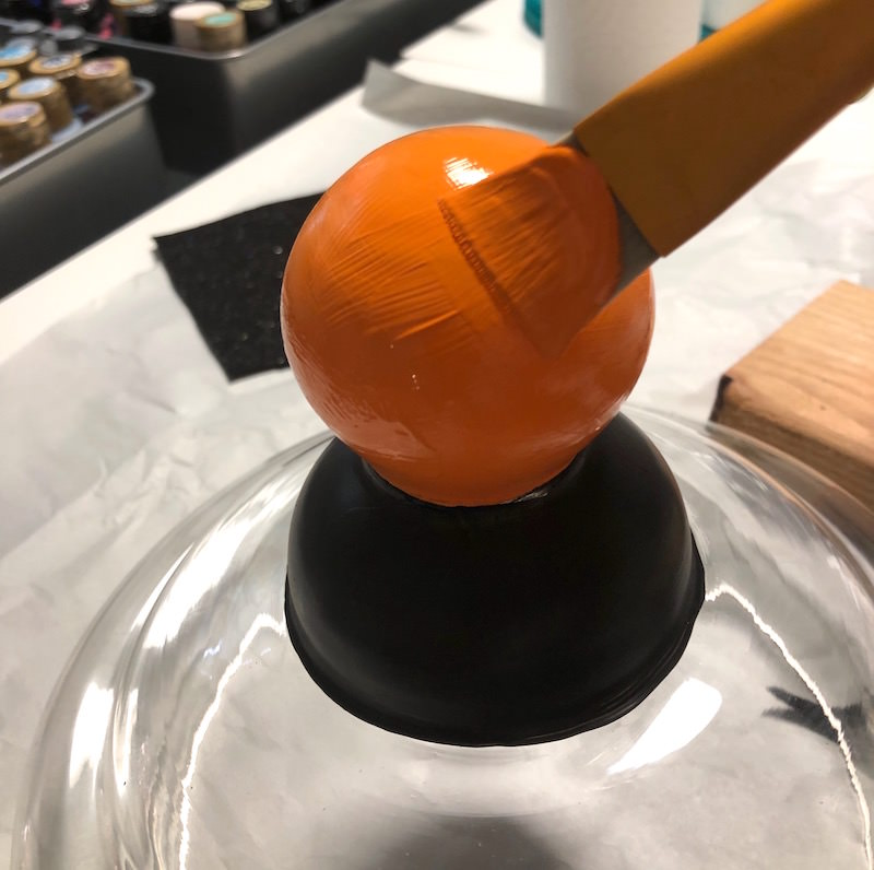 Paint the glass handle handle orange
