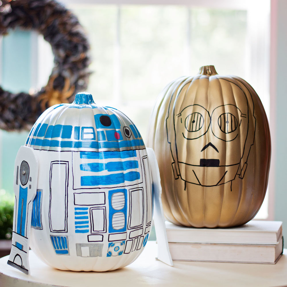 Star Wars Pumpkin painting ideas - these pumpkins look like C-3PO and R2-D2