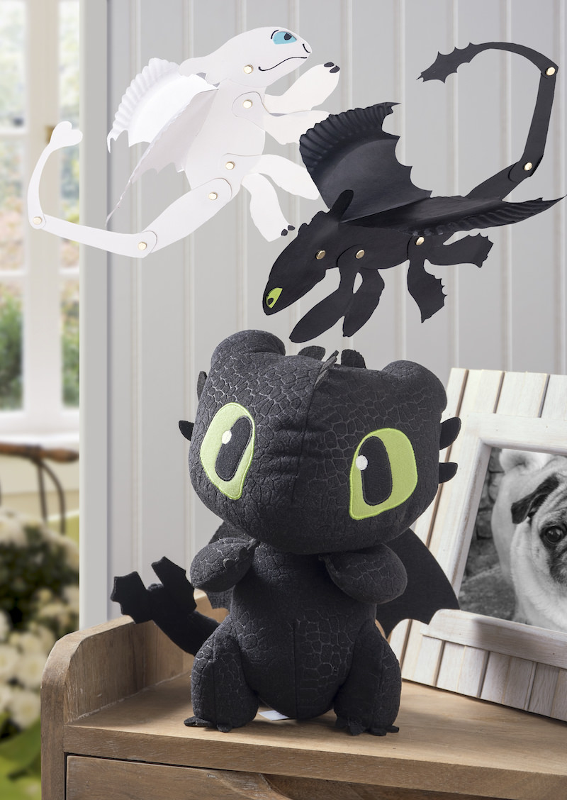 How to Train Your Dragon paper plate dragons