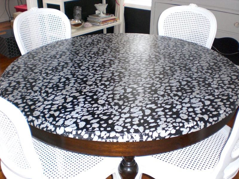 Mod Podge DIY fabric table top