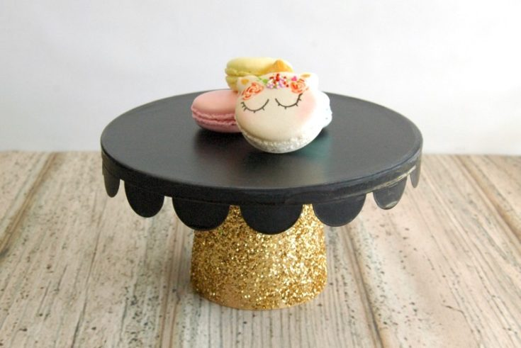 Black and Gold Cake Plate