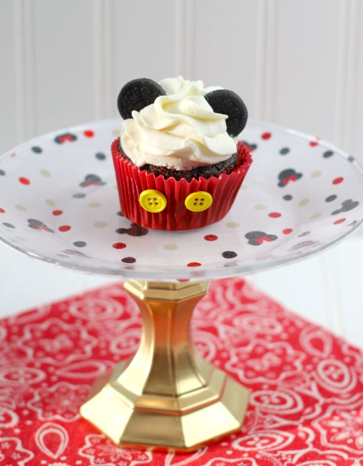 DIY Mickey Mouse Cake Plate