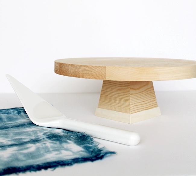 Simple Wood DIY Cake Stand