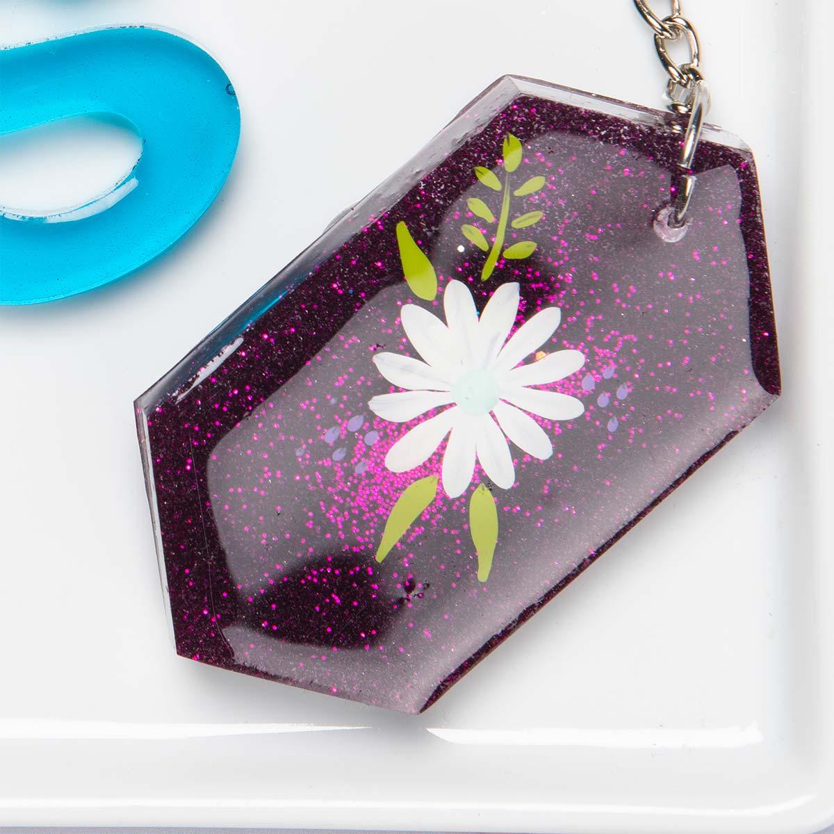 Schlüsselanhänger mit bemalten Blumen