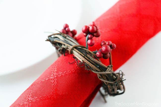 Holiday Wreath Napkin Holders 1