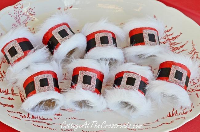 Santa belt napkin rings 080