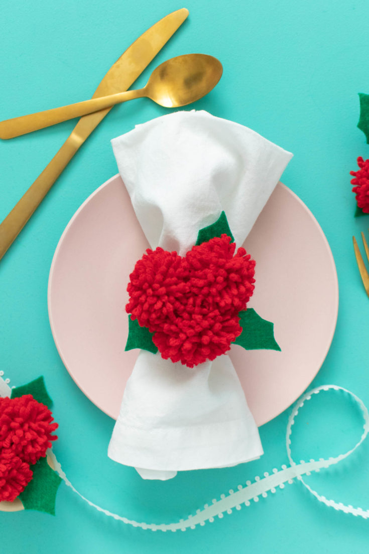 pom pom holly berry napkin rings 1.jpgfit14402c2160ssl1