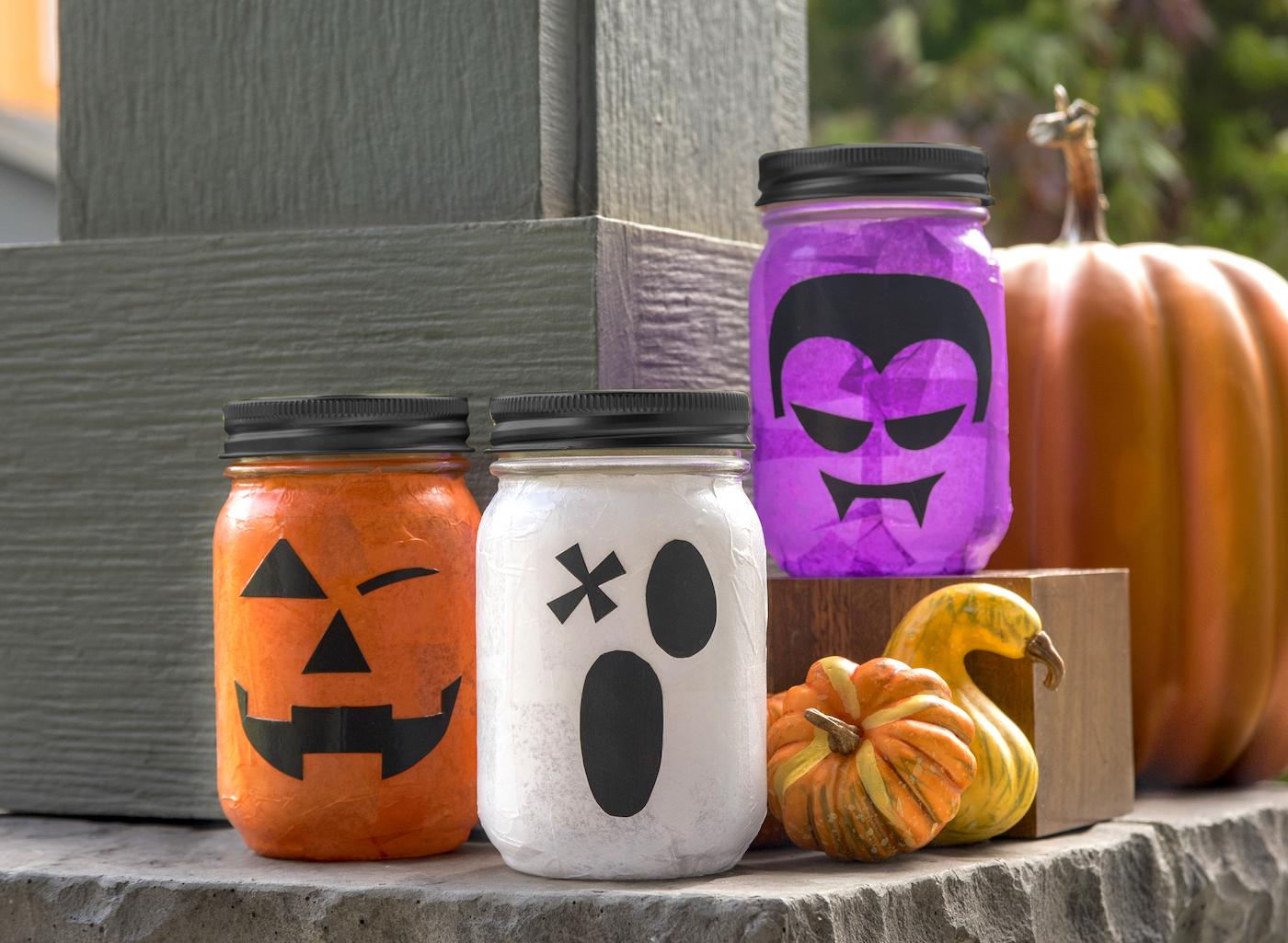 Lanternas de frasco de pedreiro de Halloween