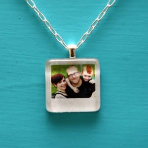 Decoupage jewelry: 16 easy necklace proj...