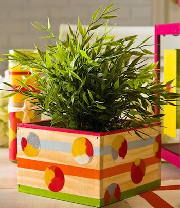 How to decorate a planter with paint and Mod Podge
